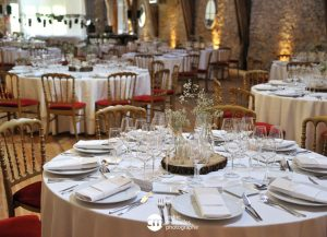 tables rondes repas mariage
